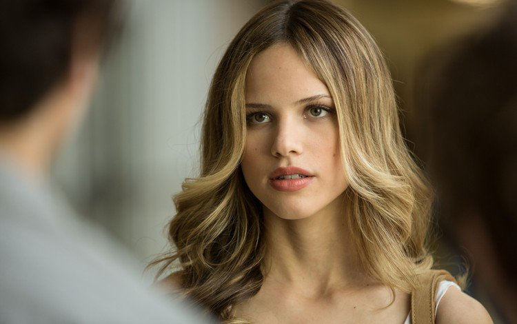 girl, portrait, look, hair, face, movies, halston sage, holston sage, actress, lacey pemberton, paper towns