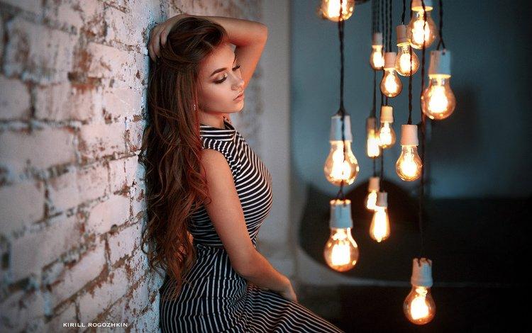 платье, портрет, стена, девушки, лампочки, лампочка, кирпичи, закрытые глаза, dress, portrait, wall, girls, light bulb, bricks, closed eyes
