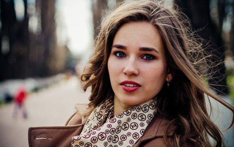 девушка, настроение, портрет, город, взгляд, улица, модель, ветер, girl, mood, portrait, the city, look, street, model, the wind