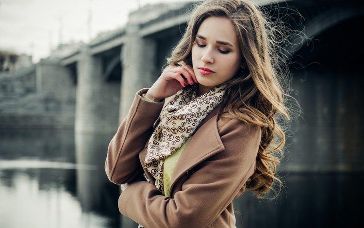 девушка, закрытые глаза, настроение, город, взгляд, улица, модель, ветер, макияж, girl, closed eyes, mood, the city, look, street, model, the wind, makeup
