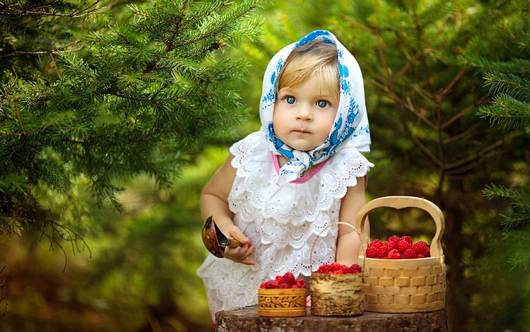 eyes, forest, mood, raspberry, girl, spruce, tree, berries, child, shawl, spoon