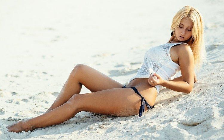 девушка, каре, блондинка, владимир и девушка, песок, пляж, модель, ножки, фигура, бикини, girl, kare, blonde, vladimir and girl, sand, beach, model, legs, figure, bikini