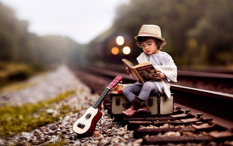 дорога, чемодан, рельсы, lilia alvarado, гитара, поезд, ребенок, мальчик, книга, шляпа, road, suitcase, rails, guitar, train, child, boy, book, hat