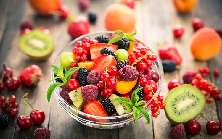 raspberry, fruit, strawberry, berries, cherry, kiwi, blueberries, vase, blackberry, currants, apricots, fruit salad