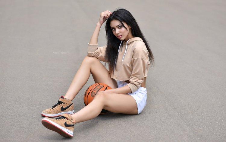 девушка, брюнетка, ноги, мяч, шорты, кроссовки, сидя, maksim romanov, girl, brunette, feet, the ball, shorts, sneakers, sitting