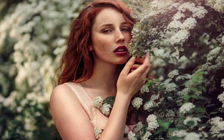 цветение, макияж, девушка, веснушки, взгляд, michalina cysarz, рыжая, модель, весна, волосы, лицо, flowering, makeup, girl, freckles, look, red, model, spring, hair, face