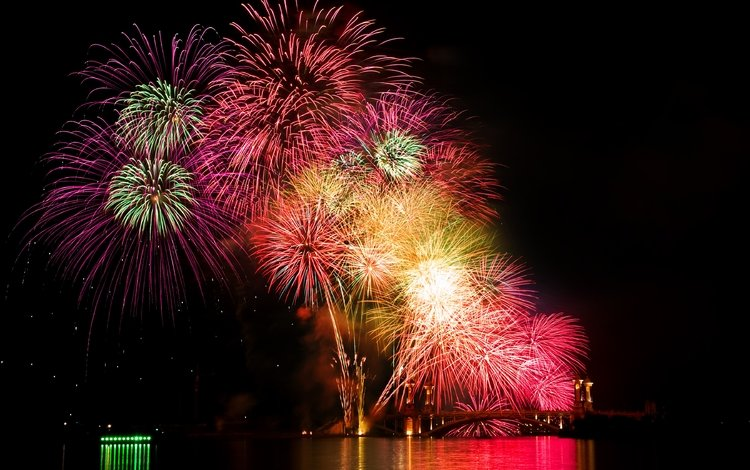 ночь, салют, город, праздник, фейерверк, night, salute, the city, holiday, fireworks