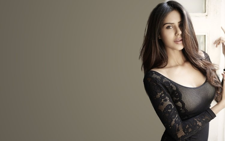 брюнетка, модель, актриса, индийская, розовая помада, sonam bajwa, боливуд, сонам баджва, brunette, model, actress, indian, pink lipstick, bollywood