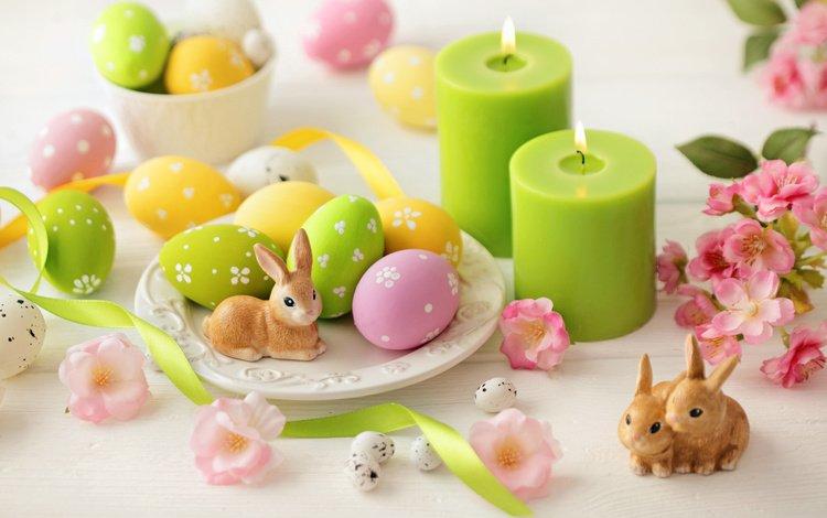 свечи, стол, кролики, пасха, яйца, праздник, статуэтки, candles, table, rabbits, easter, eggs, holiday, figurines