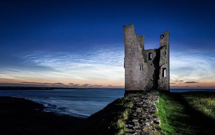 облака, ночь, руины, побережье, башня, англия, нортамберленд, замок данстанбург, clouds, night, ruins, coast, tower, england, northumberland, castle dunstanburgh