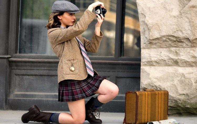 девушка, профиль, камера, кепка, чемодан, say cheese, girl, profile, camera, cap, suitcase