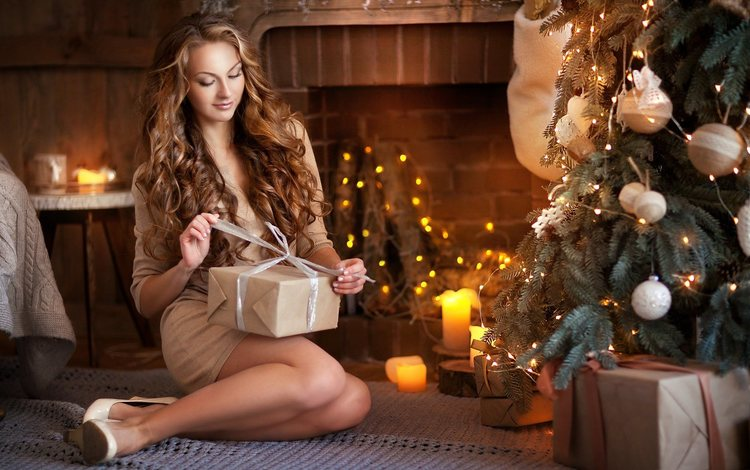 новый год, локоны, елка, коробка, девушка, шатенка, комната, камин, подарок, праздник, рождество, new year, curls, tree, box, girl, brown hair, room, fireplace, gift, holiday, christmas