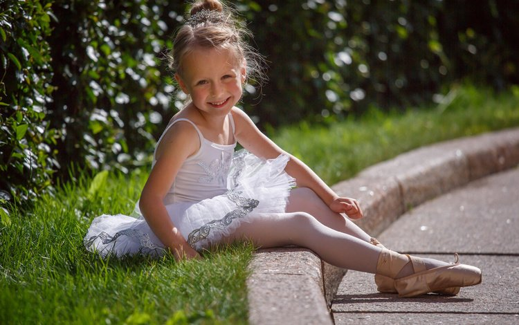 grass, nature, smile, summer, girl, child, pack, ballerina, pointe shoes, baby
