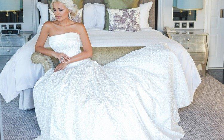невеста, the bride
