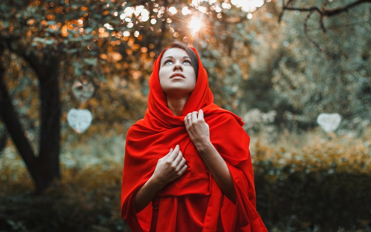 деревья, лес, закат, девушка, взгляд, сад, лицо, в красном, trees, forest, sunset, girl, look, garden, face, in red