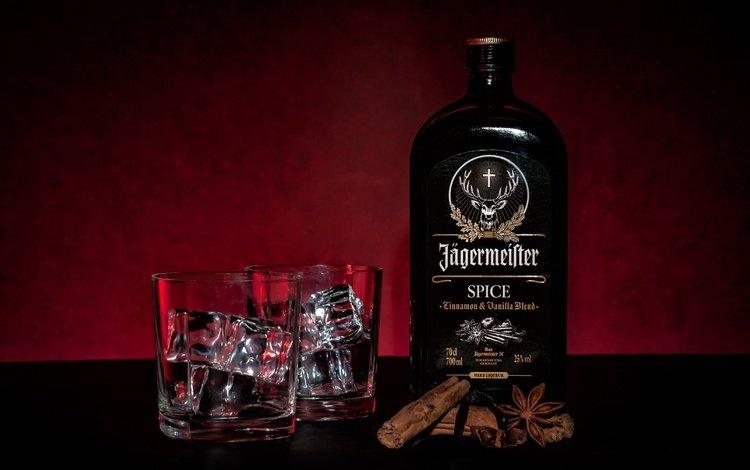 корица, стол, стаканы, бутылка, алкоголь, ликер, jägermeister, cinnamon, table, glasses, bottle, alcohol, liqueur