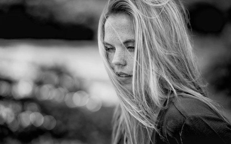 девушка, портрет, чёрно-белое, волосы, лицо, веснушки, надя, mike kremer, girl, portrait, black and white, hair, face, freckles, nadia