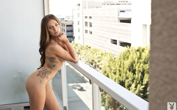 девушка, взгляд, волосы, лицо, балкон, голая, girl, look, hair, face, balcony, naked