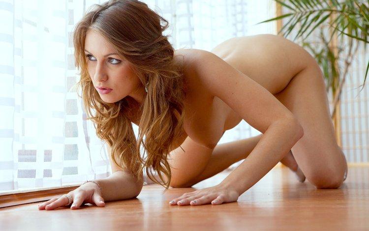 девушка, взгляд, волосы, окно, голая, на полу, girl, look, hair, window, naked, on the floor
