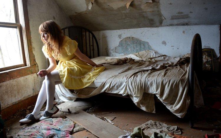 девушка, сидя, желтое платье, взгляд, модель, сидит, волосы, лицо, на кровати, фотосессия, girl, yellow dress, look, model, sitting, hair, face, on the bed, photoshoot