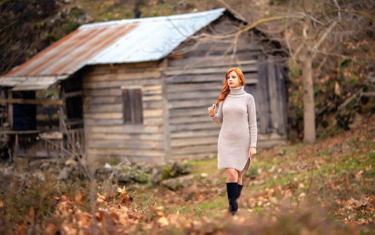 лес, лицо, листья, рыжеволосая, девушка, melis, взгляд, осень, модель, дом, ножки, forest, face, leaves, redhead, girl, look, autumn, model, house, legs