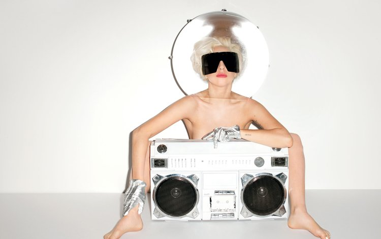 девушка, леди гага, поза, блондинка, взгляд, очки, лицо, певица, магнитофон, girl, lady gaga, pose, blonde, look, glasses, face, singer, tape