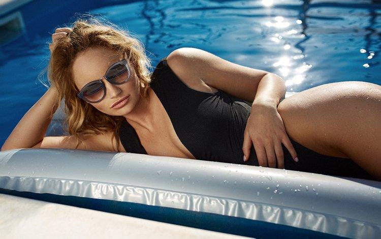 девушка, очки, модель, бассейн, волосы, лицо, купальник, бикини, girl, glasses, model, pool, hair, face, swimsuit, bikini