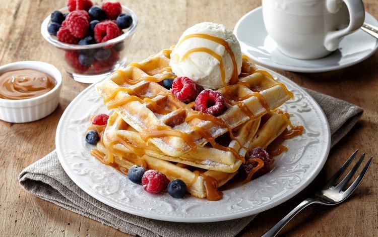 малина, вафли, мороженое, кофе, вилка, ягоды, черника, сладкое, десерт, raspberry, waffles, ice cream, coffee, plug, berries, blueberries, sweet, dessert