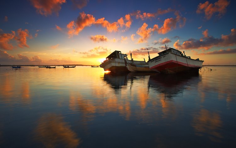 the sky, clouds, lake, reflection, ships, dawn, boats