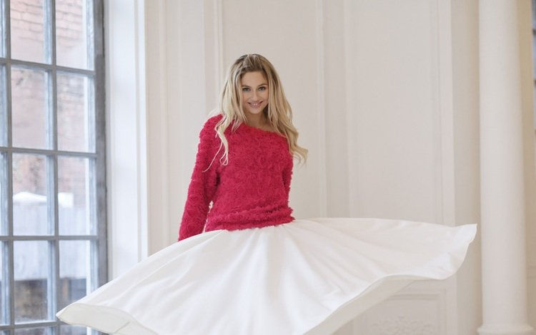 girl, blonde, smile, brunette, look, skirt, model, hair, face, actress, window, natalia rudova