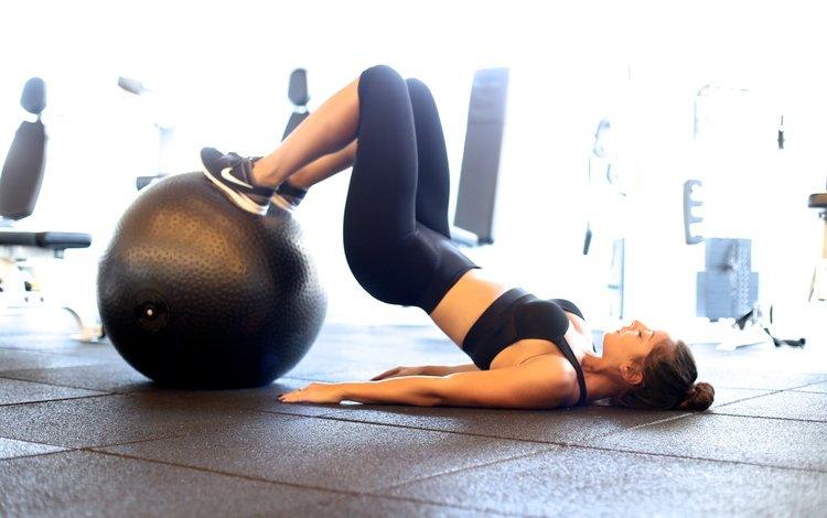 девушка, модель, мяч, фитнес, спортивная одежда, тренировки, girl, model, the ball, fitness, sports wear, workout