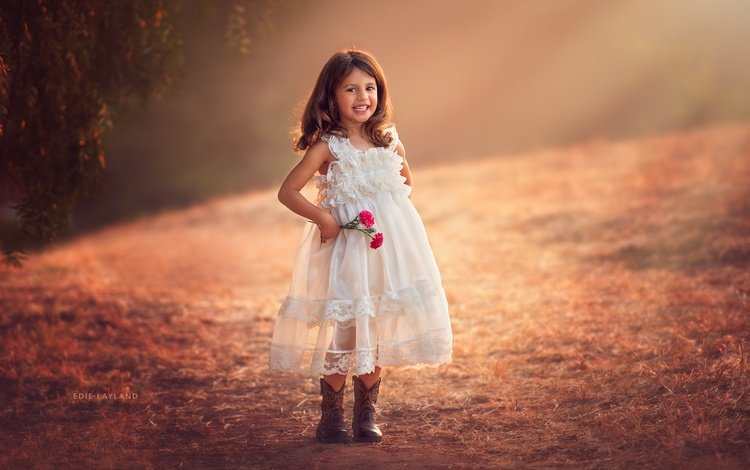 цветы, улыбка, взгляд, девочка, волосы, лицо, белое платье, flowers, smile, look, girl, hair, face, white dress