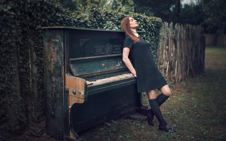 девушка, забор, пианино, черное платье, задумчивость, гольфы, закрытые глаза, bessarion chakhvadze, гори, burn, girl, the fence, piano, black dress, reverie, knee, closed eyes