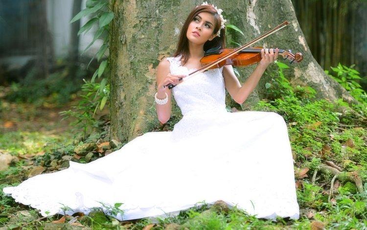 девушка, скрипка, музыка, взгляд, волосы, азиатка, белое платье, музыкальный инструмент, girl, violin, music, look, hair, asian, white dress, musical instrument