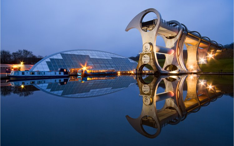 reflection, scotland, falkirk wheel