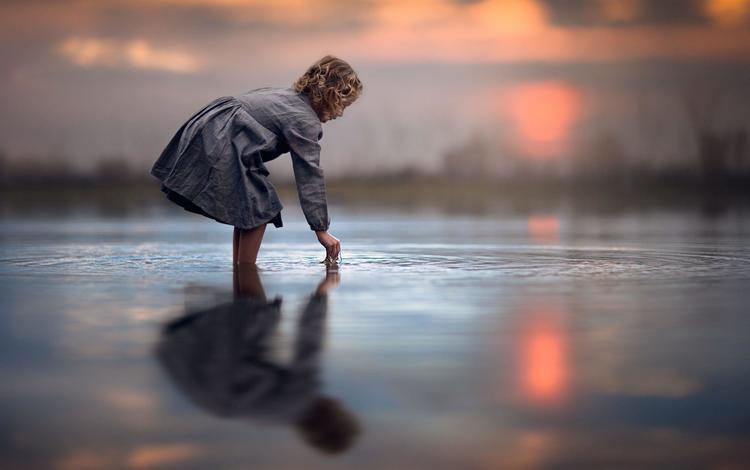 вода, jake olson studios, закат, отражение, платье, дети, девочка, волосы, ребенок, water, sunset, reflection, dress, children, girl, hair, child