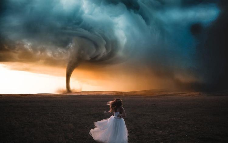 небо, поле, бег, белое платье, смерч, торнадо, вихрь, nacho zàitsev, the sky, field, running, white dress, tornado, vortex