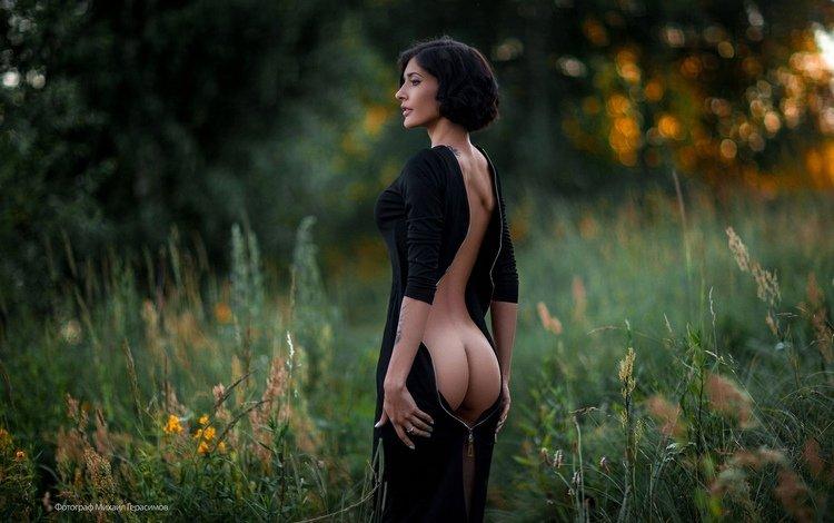 цветы, черное платье, трава, попка, девушка, mihail gerasimov, брюнетка, модель, профиль, татуировки, спина, flowers, black dress, grass, ass, girl, brunette, model, profile, tattoo, back
