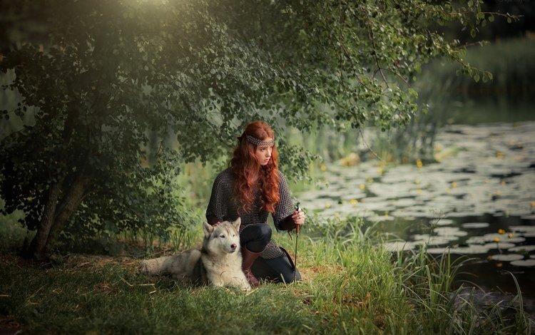 деревья, доспехи, лес, рыжеволосая, девушка, ольга бойко, мордочка, взгляд, собака, модель, хаски, trees, armor, forest, redhead, girl, olga boyko, muzzle, look, dog, model, husky