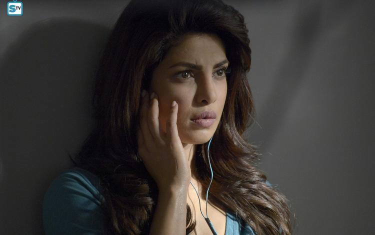 girl, portrait, look, headphones, model, hair, lips, face, actress, bollywood, priyanka chopra