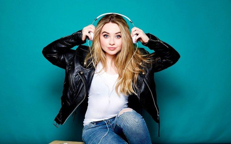 girl, look, headphones, model, jeans, singer, phone, makeup, jacket, sabrina carpenter, tigerbeat