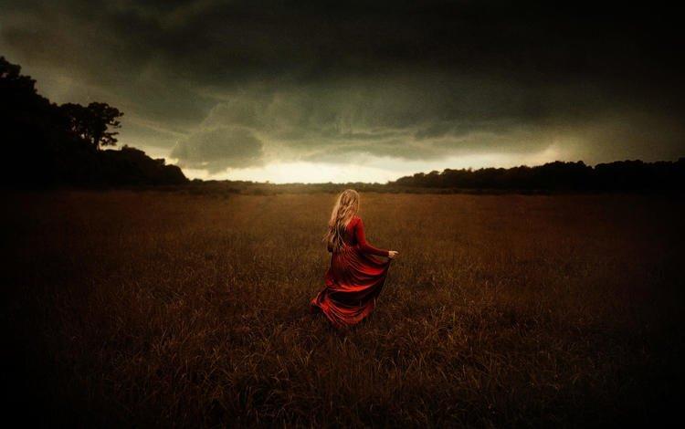 небо, tj drysdale, природа, тучи, девушка, поле, модель, волосы, красное платье, the sky, nature, clouds, girl, field, model, hair, red dress
