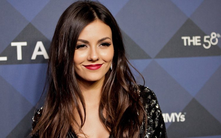 girl, smile, look, model, hair, lips, face, actress, makeup, bollywood, victoria justice