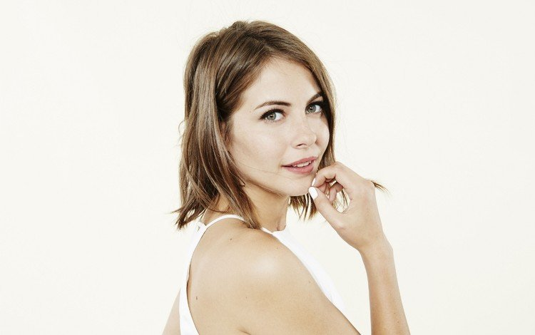 girl, portrait, look, hair, lips, face, actress, willa holland, bare shoulder
