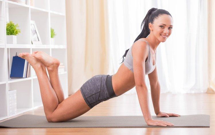 девушка, пилатес, улыбка, упражнения, брюнетка, модель, фитнес, спортивная одежда, йога, тренировка, girl, pilates, smile, exercises, brunette, model, fitness, sports wear, yoga, training