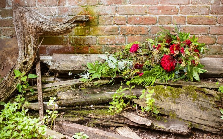 flowers, background, roses, board, bouquet, brick wall