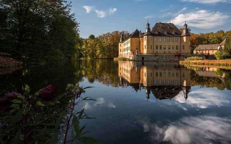 деревья, castle dyck, вода, отражение, замок, осень, пруд, германия, солнечно, trees, water, reflection, castle, autumn, pond, germany, sunny