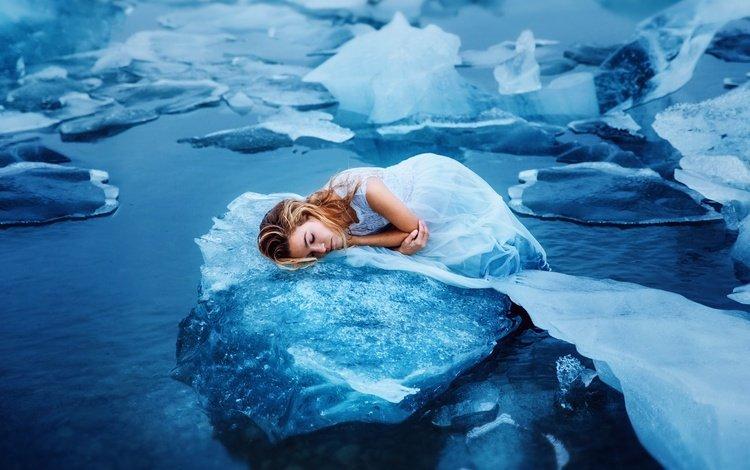 вода, девушка, лёд, лежит, льдины, белое платье, закрытые глаза, ronny, water, girl, ice, lies, white dress, closed eyes