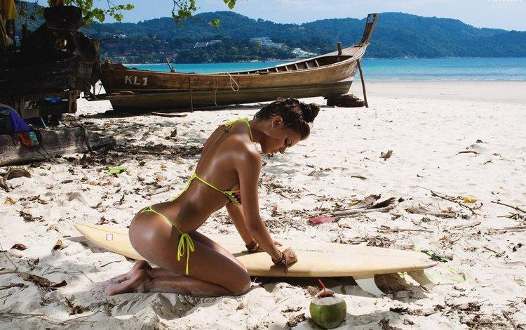 девушка, море, поза, песок, пляж, лодка, бикини, girl, sea, pose, sand, beach, boat, bikini