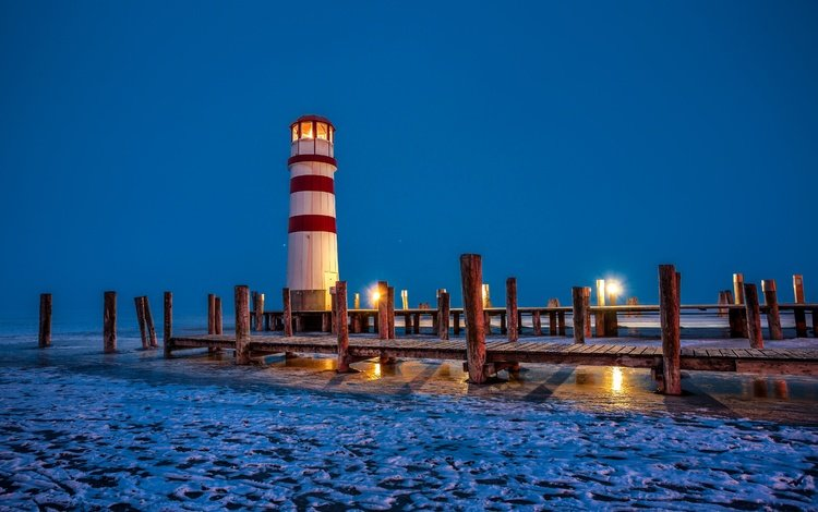 lights, the evening, lake, snow, lighthouse, austria, ice, piles, piers, podersdorf